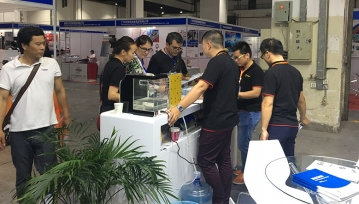 公司参加2018年上海国际试验机与实验设备展